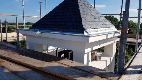 Restauratie klokkentoren kerk in Middelrode