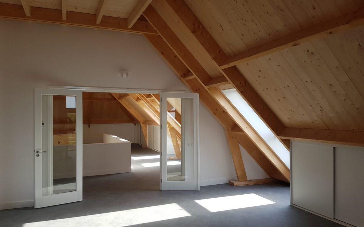 Binnenzijde luxe schuurwoning met rieten kap in Teteringen