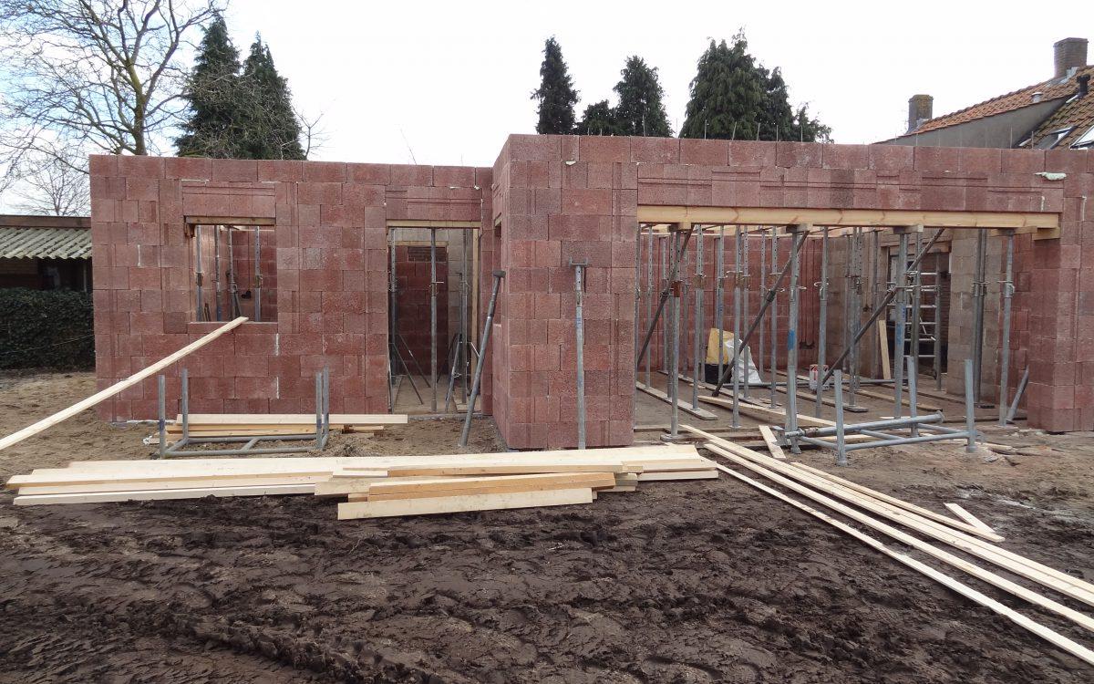 Latei constructie houtvezelcement mantelstenen