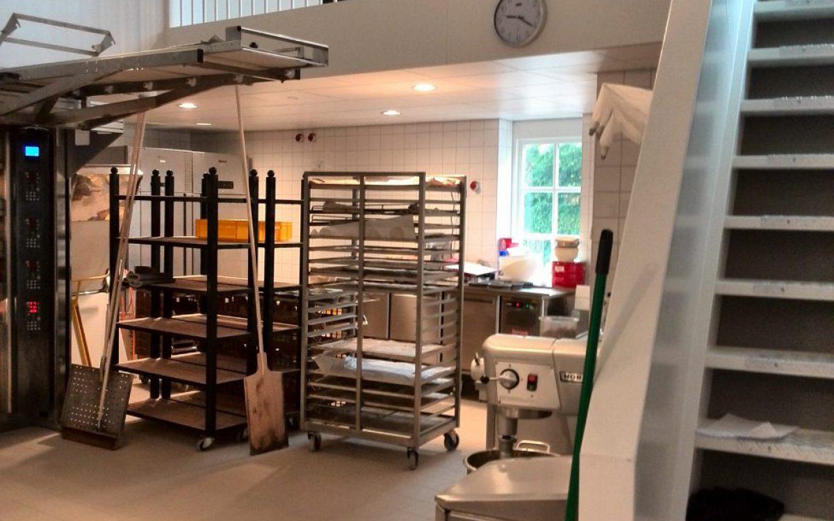 Verbouwing oude windmolen tot bakkerij met winkel