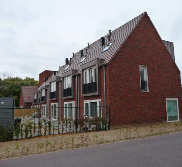 Houtvezelcement mantelstenen woningproject Treebeek te Brunssum