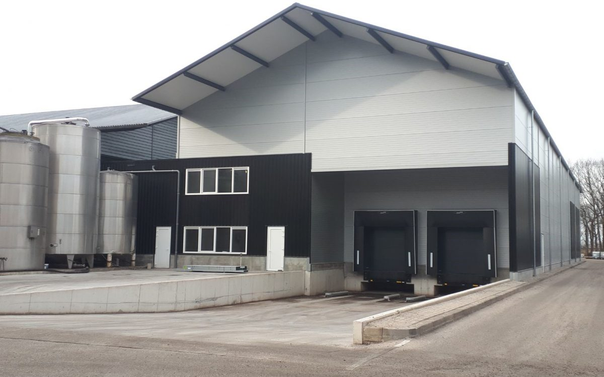 Nieuwbouw van een fabriekshal in Oosterhout