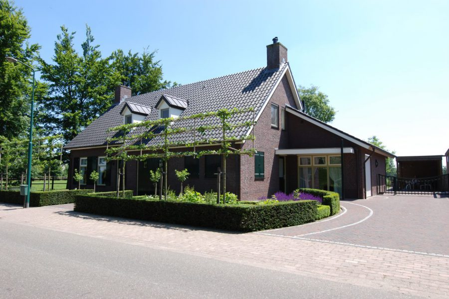 Nieuwbouw van een landelijke woning in Heeswijk-Dinther
