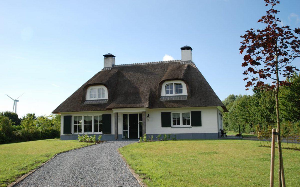 Nieuwbouw van een landelijke villa in Ooltgensplaat