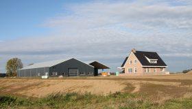 Nieuwbouw machineberging met woonhuis in Werkendam