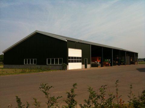 Nieuwbouw van een machineberging met werkplaats in Hummelo