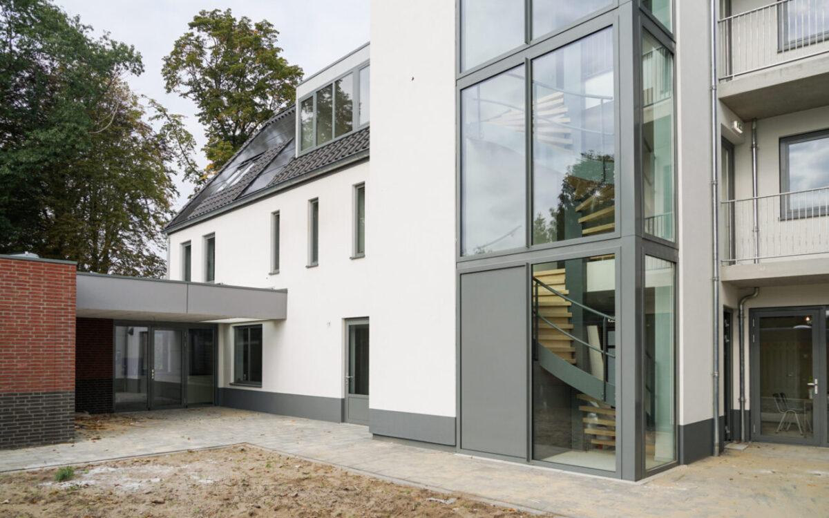 Nieuwbouw van 11 appartementen en 8 zorgwoningen aan de Kerkwijk te Berlicum